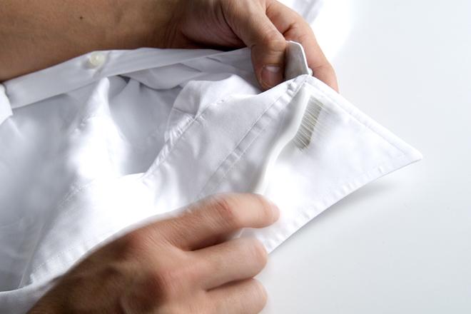 洗濯前のひと手間で、ガンコな襟の汚れが劇的に落ちる