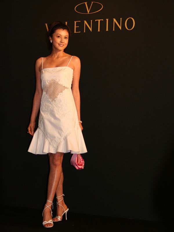 白いドレスの藤原紀香