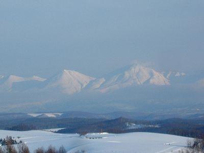 美瑛・四季彩の丘より眺める十勝岳連峰(北海道)