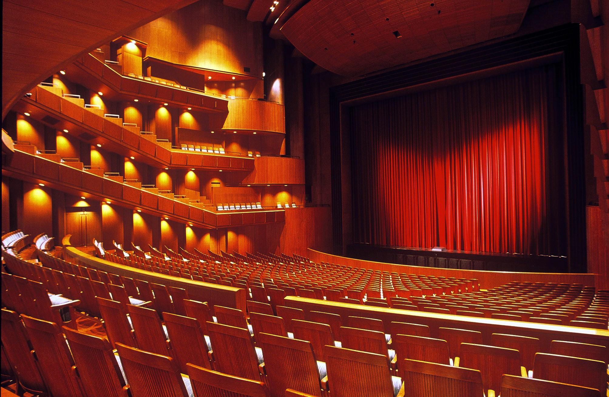 芸術監督からのメッセージ | 新国立劇場 演劇