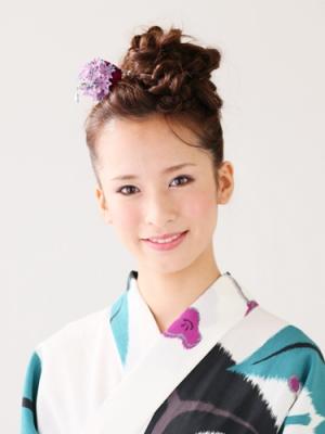 最新のヘアスタイル 浴衣に合う髪型 簡単 ロング : 浴衣に似合うヘアアレンジ ...