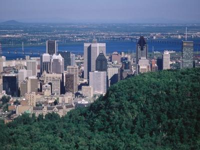 モントリオールはカナダ東部を流れる大河、セントローレンス川の中州に位置し... モントリオールは