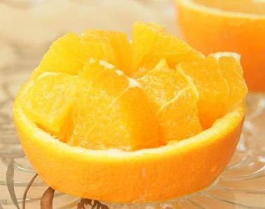 綺麗に盛られたオレンジ