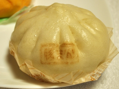 セブンイレブン手包み特製豚まん 手包み特製豚まん(セブンイレブン) 『手包み特製豚まん』です。セ