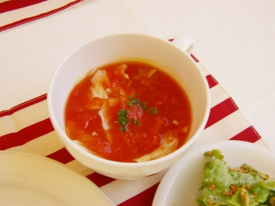キャぺツとトマトのスープ