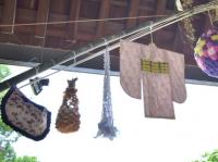 左から「巾着」「くずかご」「網飾り」「紙衣」