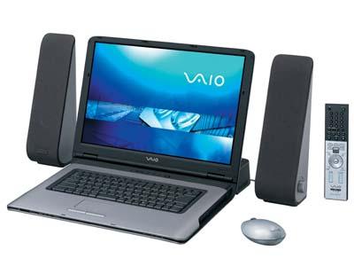 マルチメディア対応のノートパソコン いまやパソコンはマルチメディア機能も充実した機能を備えている