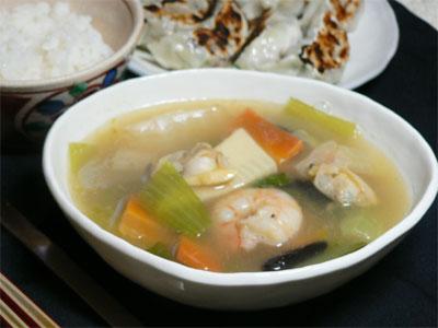 野菜たっぷり 海鮮中華スープ