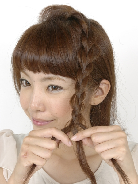最新のヘアスタイル 髪型 三つ編み : アレンジ】編み込み・三つ編み ...
