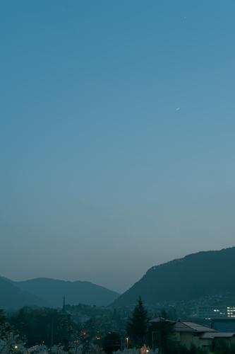 月と明けの明星