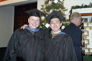 勤めていた都市銀行を辞めた安部さんは私費で米国に渡り、2001年にThunderbird(アメリカ国際経営大学院)にて念願のGlobal MBAを取得した。現在のキャリアのベースである。