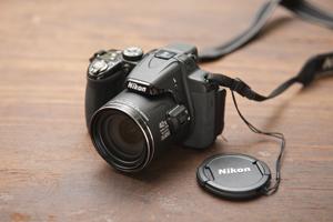 Nikonのカメラは、42倍ズームができる逸品。海外でのコンクール取材などのとき遠くからでも撮影ができる優れもの