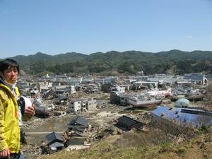 2011.4 東日本大震災の被災地気仙沼にて。幼少時に幾度となく過ごした風景が根こそぎなくなってしまったことを確認するのは、今でも一番つらいことだ