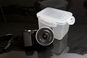 持ち運ぶ際にも濡れないよう、タッパーに入るサイズかどうかがカメラを選ぶ基準