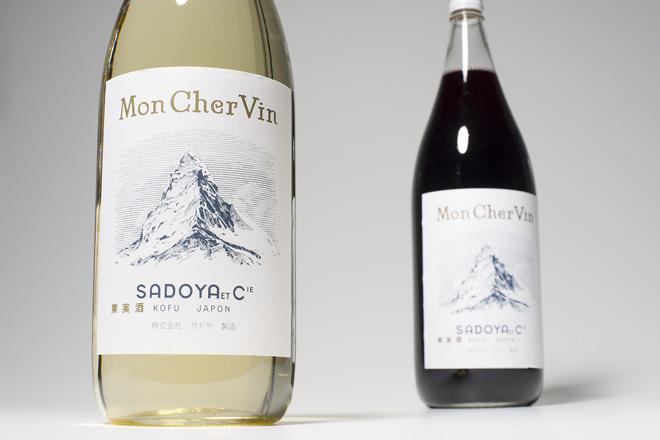 一升瓶入りのワイン
